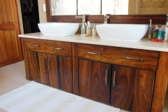 Sleeper vanity unit