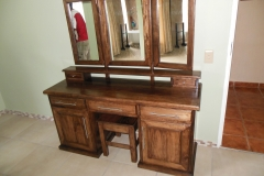 Rubberwood dressing table