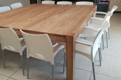 Square rubberwood table with corner legs