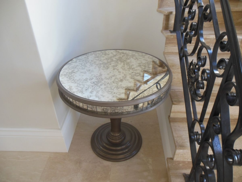 Round entrance hall table