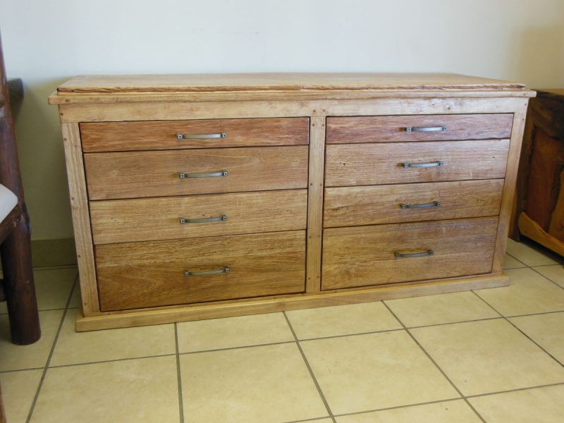 Rubberwood chest of drawers