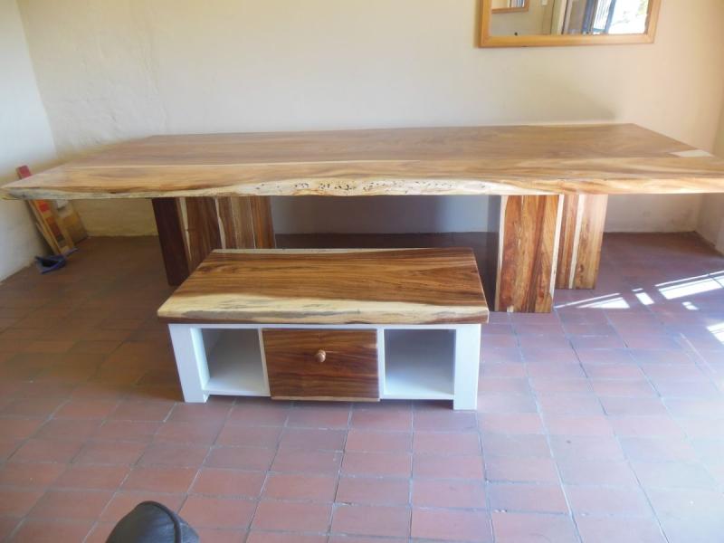 Keith coffee table