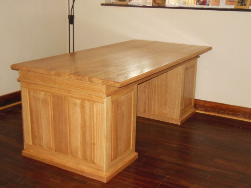 George desk Rubberwood back