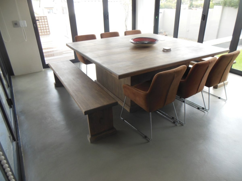 Brian rubberwood dining table