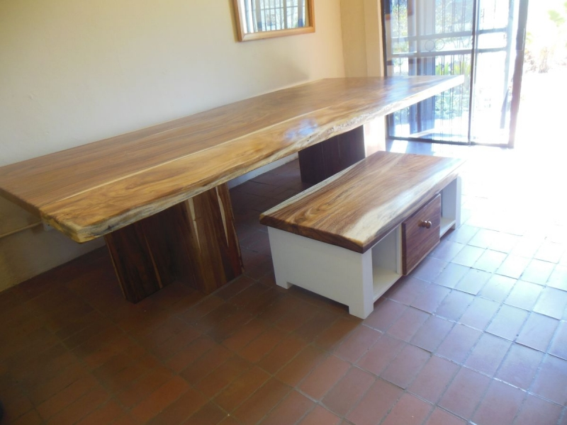 Keith dining table and coffee table