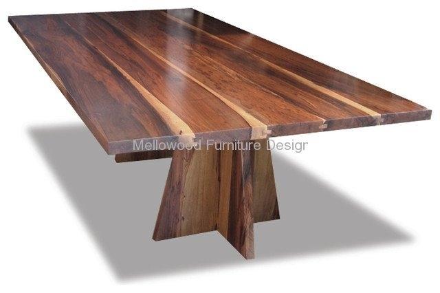 Luca solid kiaat table